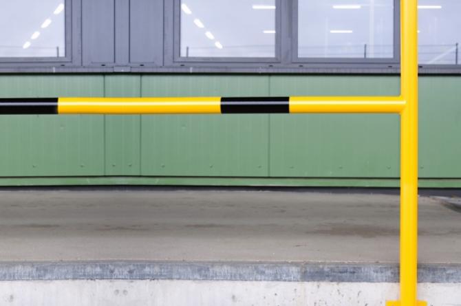 Aanrijdbeveiliging beugel staal, gecoat/kunststof 1300x2000mm #1   Beschermingsbeugel   Groven Store Safety